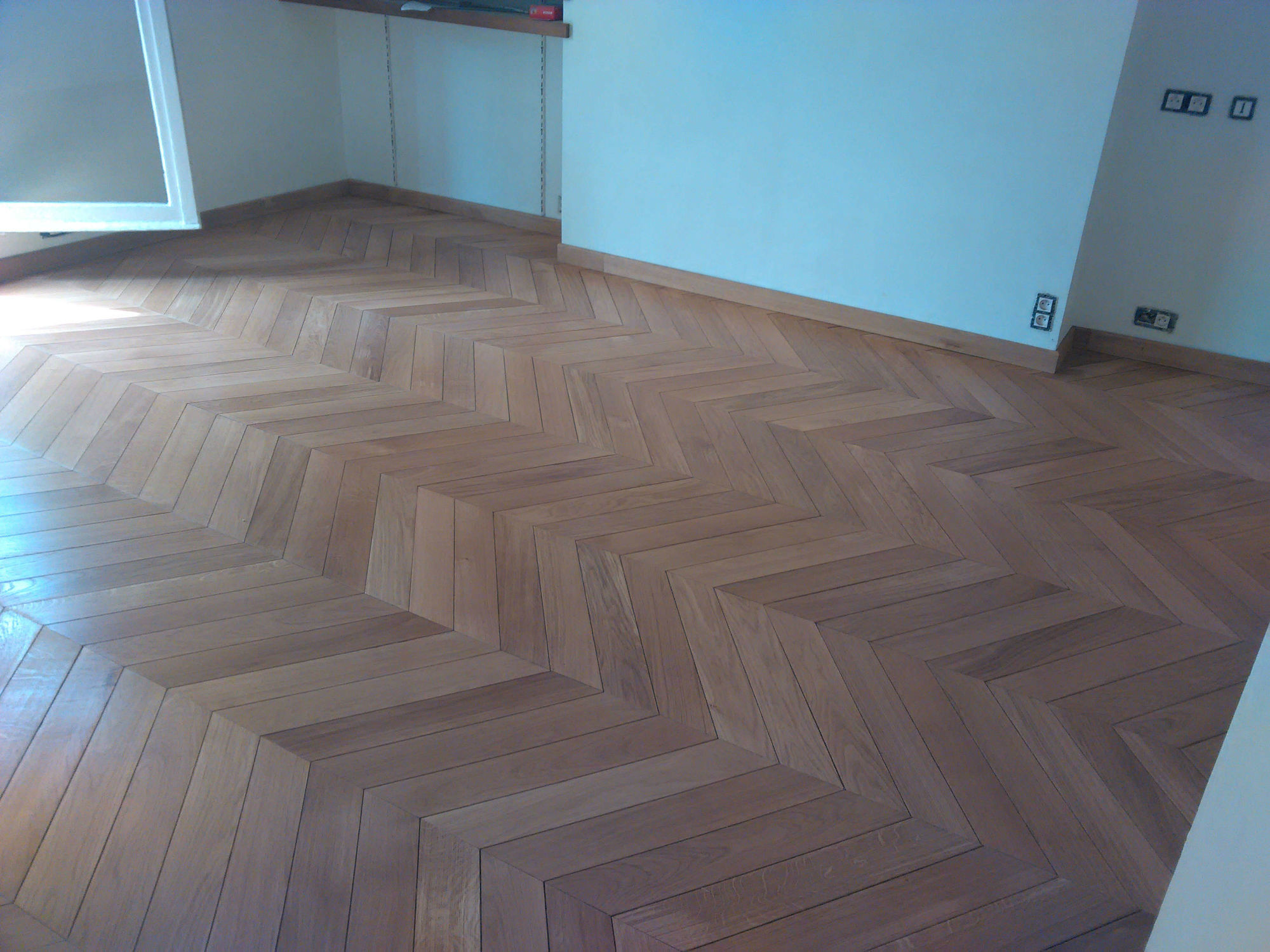 parquet point de hongrie prix parquet en chevrons point de hongrie pose prix ooreka parquet. Black Bedroom Furniture Sets. Home Design Ideas